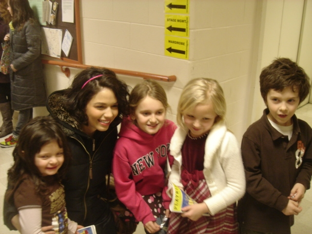 Laeticia, Gabriella, Lucy, Fran & Sam